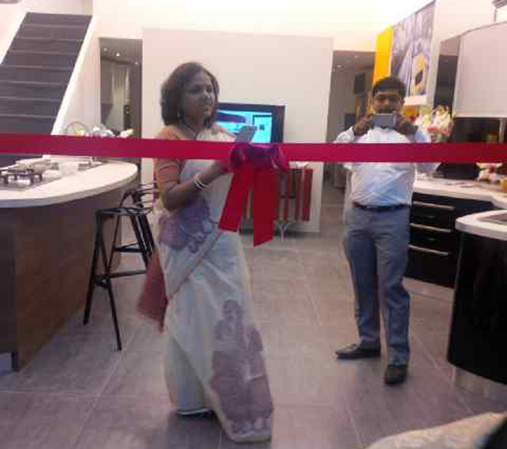 Spar-Mumbai-Inauguration-Ribbon....