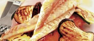 Spigole-al-cartoccio-con-verdure-grigliate